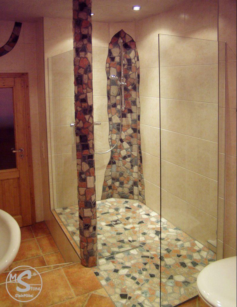 Dusche mit Säule